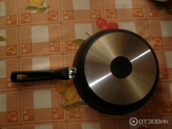 Сковорода толстостенная с антипригарным покрытием