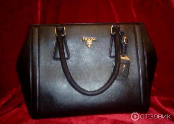 Prada классическая черная сумка