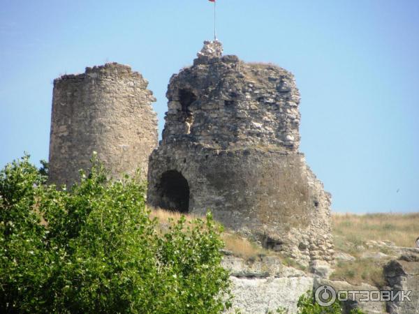 крепость Каламита находится над Инкерманским пещерным монастырем
