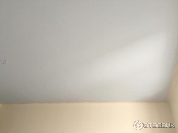 Краска Dulux на потолке