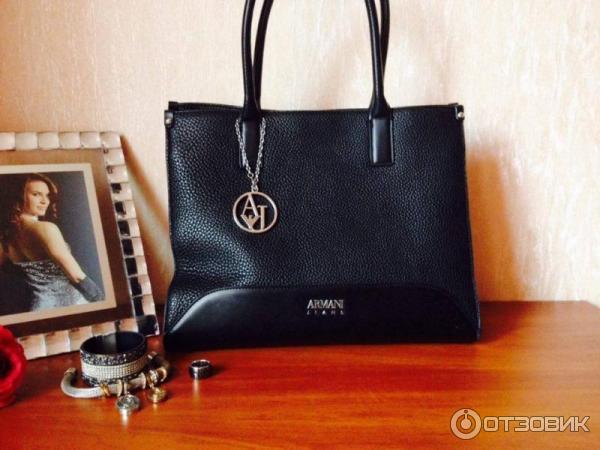 7a7f6eb8d6d4 Отзыв о Женская сумка Armani Jeans   Стильная универсальная сумка ...