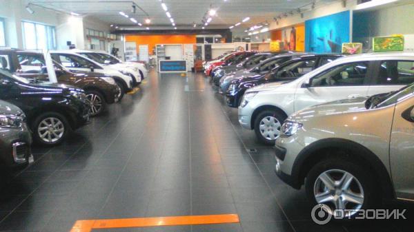 Renamax автосалон в москве продажа авто срочно за деньги