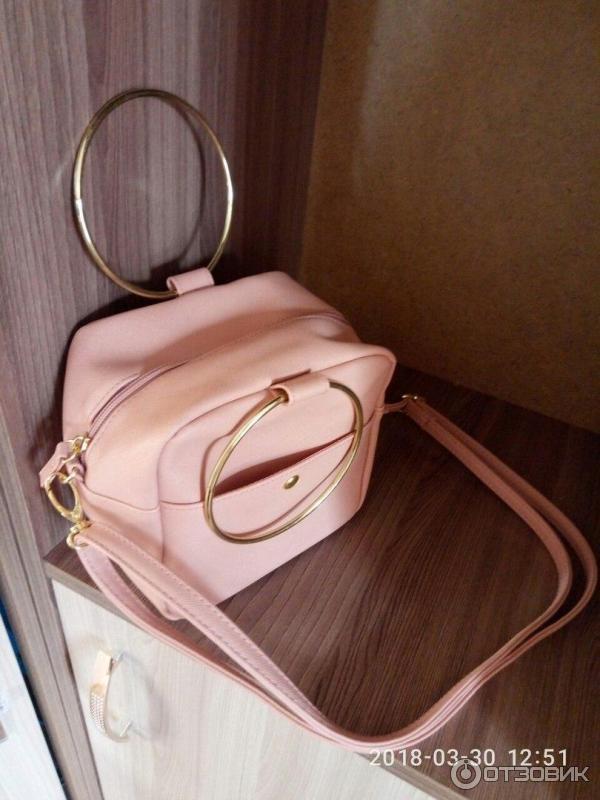 e814d53e30f7 Отзыв о Женская сумка Avon